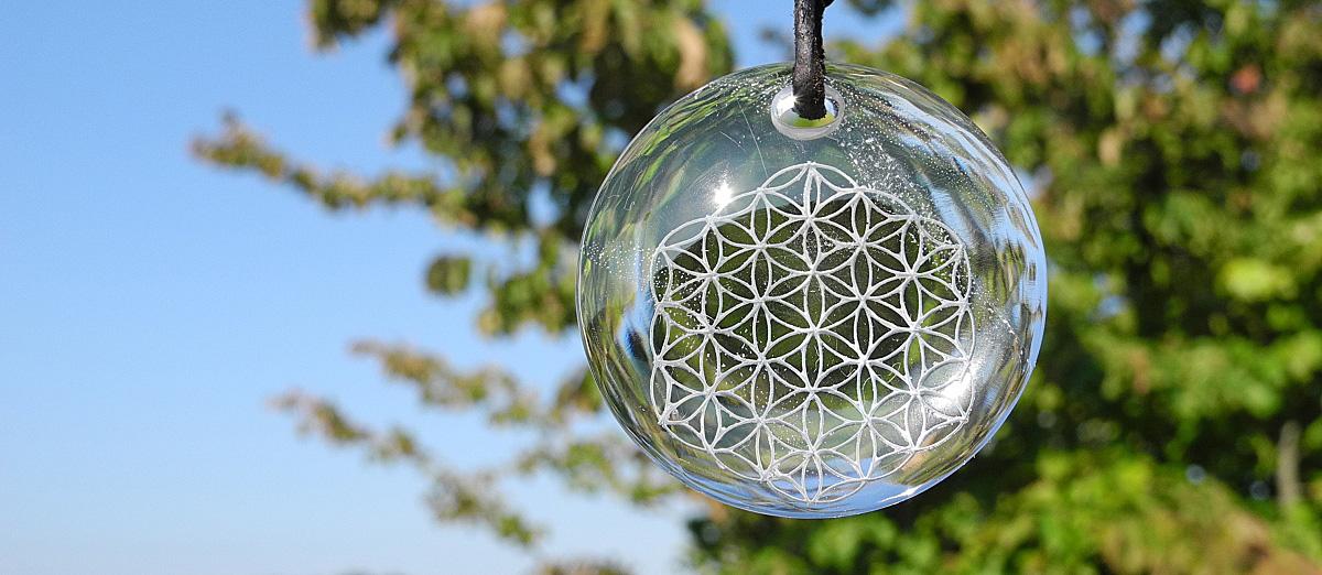 Integrität. Kristall mit der Blume des Lebens. Foto: Wiedmer, Christian: Worb.